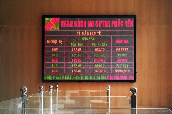 Bảng điện tử trong nhà tại Agribank Phúc Yên