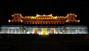 Đèn led chiếu sáng kiến trúc tòa nhà Đại Nội Huế