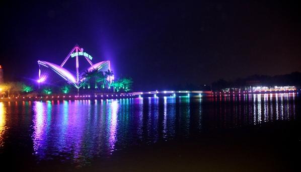 Đèn led chiếu sáng kiến trúc tòa nhà hát Opera Vĩnh Yên